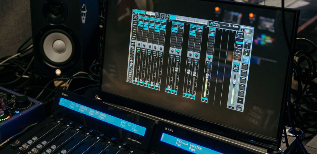 Waves eMotion LV1 Mixer Chosen to Mix and Broadcast the Heat Latin Music Awards