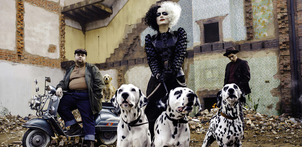 Cruella with Dalmations, Supported by Hula Post